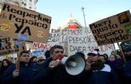 Los trabajadores de PepsiCo amplían sus movilizaciones y encararon directo al ministro de Trabajo
