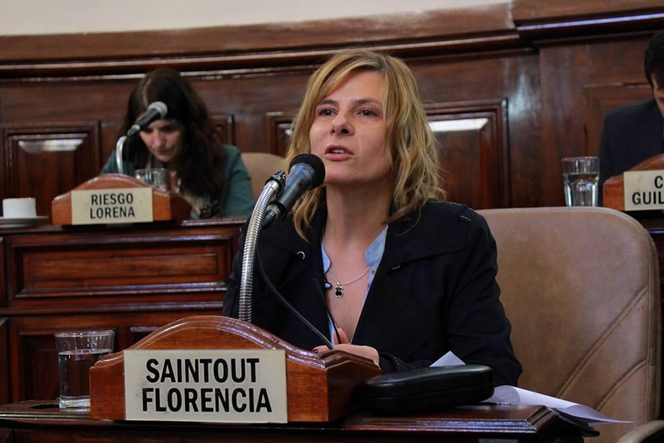 La Plata: Florencia exige explicaciones a delegado de Garro que agredió y amenazó de muerte a mujeres en una copa de leche