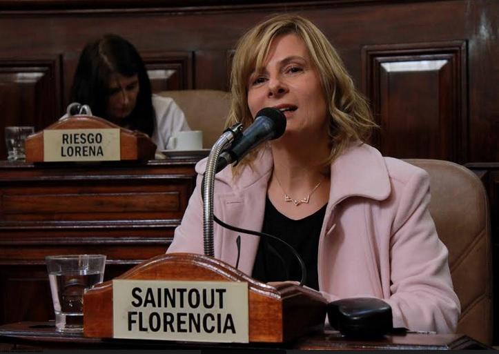 """La Plata: Florencia propone crear la figura contravencional de """"acoso callejero"""""""