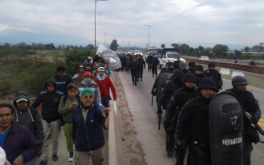 """Gerardo Morales volvió a reprimir en Jujuy: """"Nos cazaron como a ratas"""""""