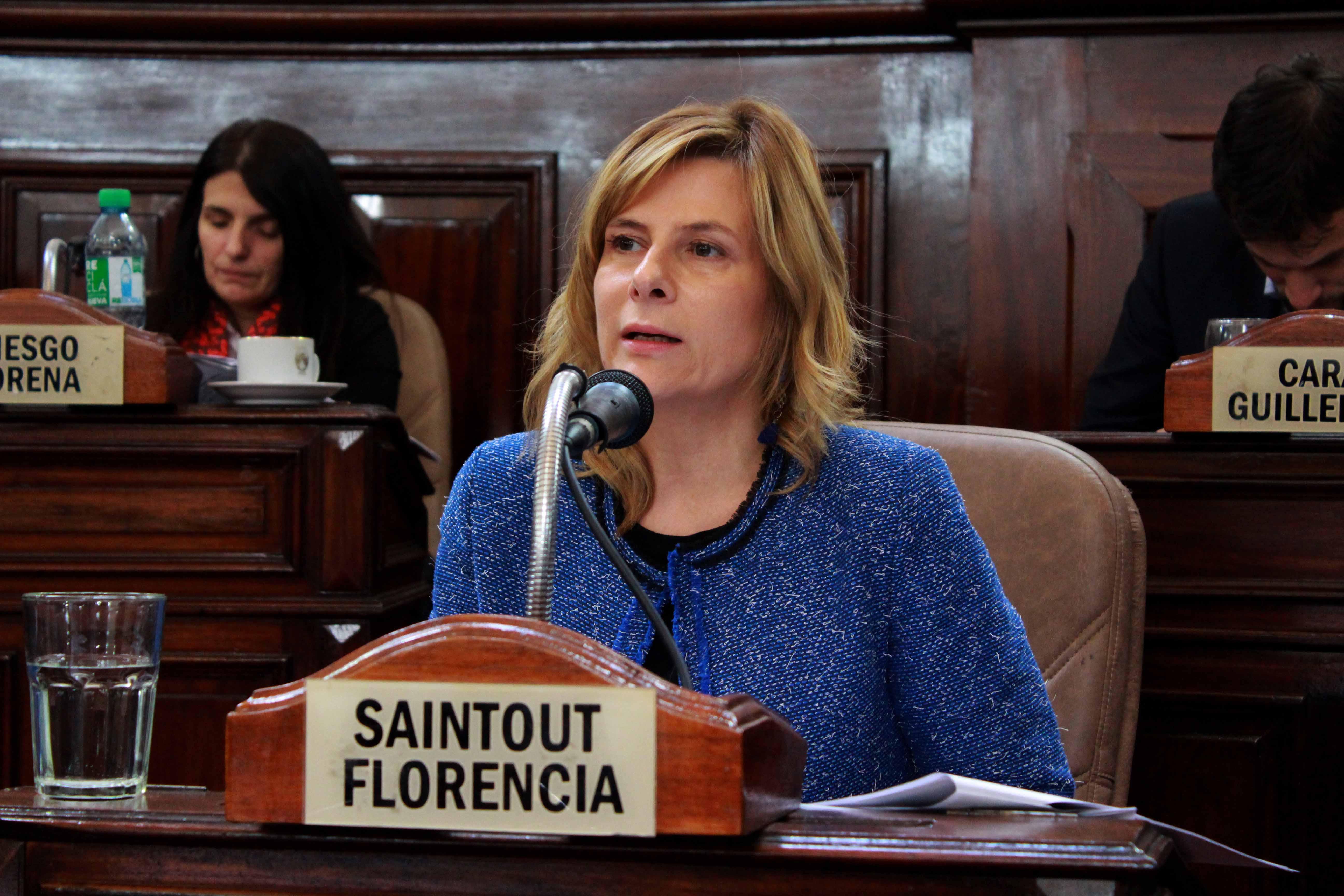 Florencia con los discapacitados y denunció baja de 173 mil pensiones; clama por Julio López y Santiago Maldonado