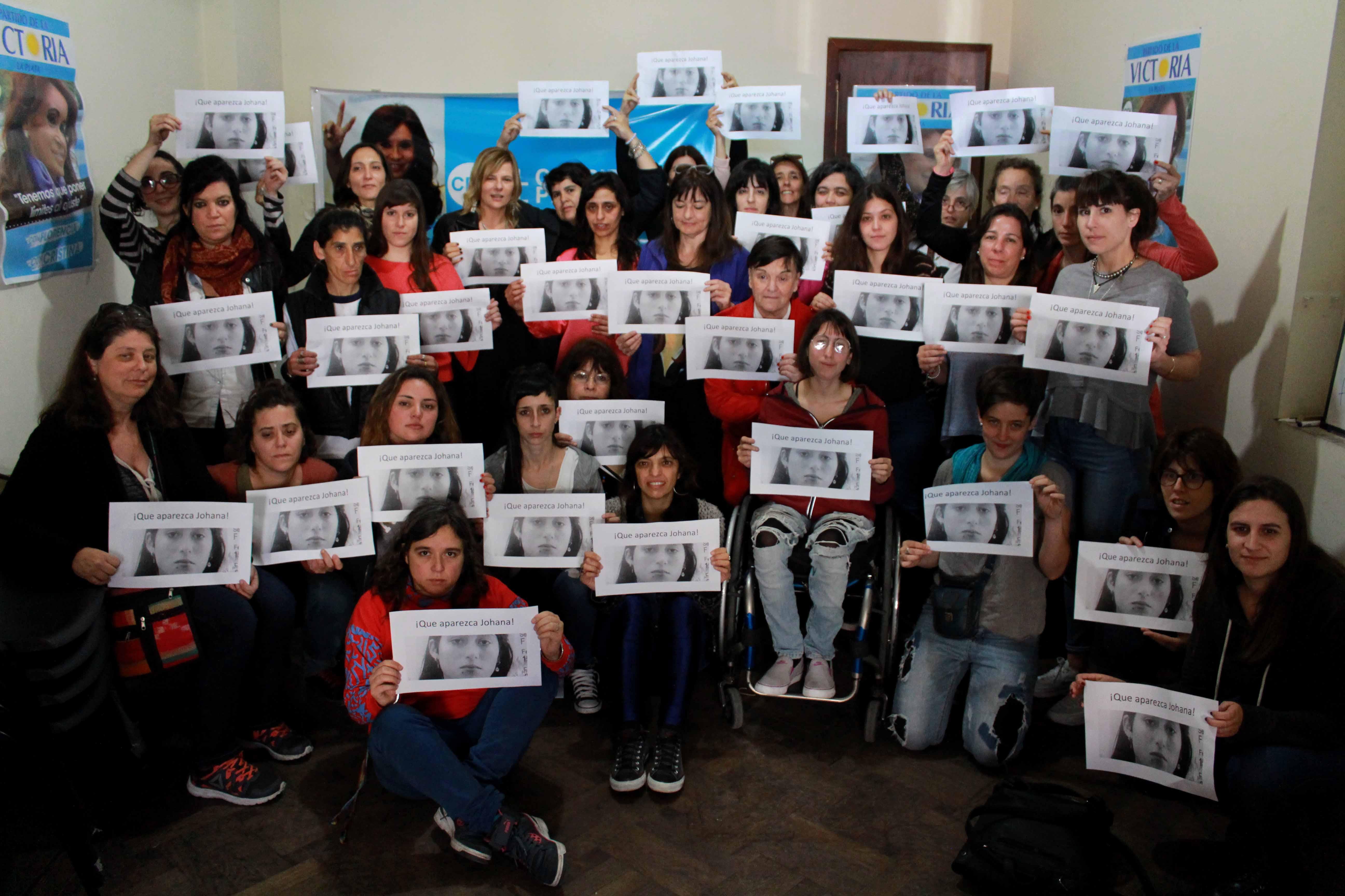 """""""Las víctimas del patriarcado nos duelen. Por eso exigimos la aparición con vida de Johana Ramallo"""", dijo Florencia"""