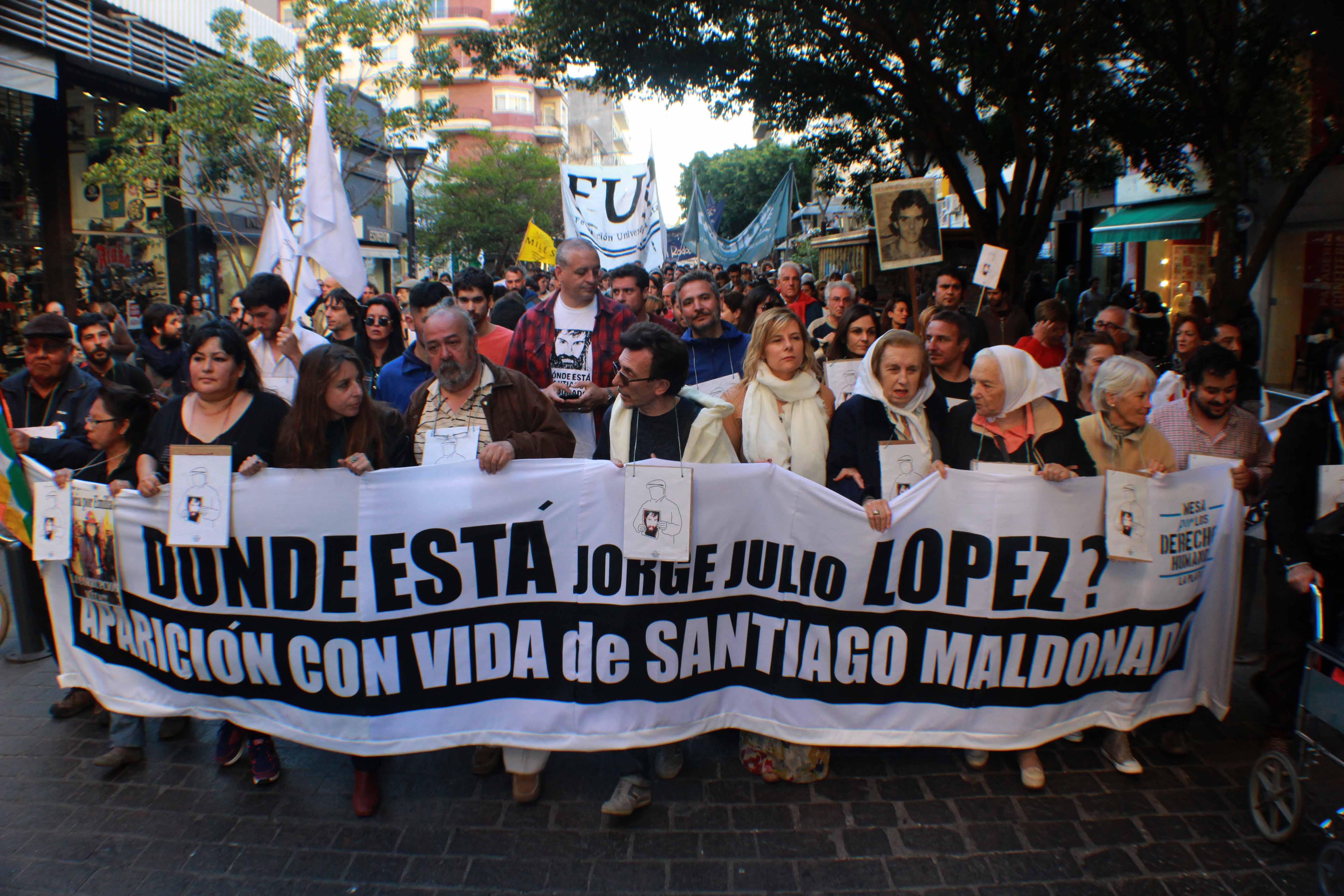 """""""Seguimos preguntándonos dónde está Julio López, exigiendo justicia"""", dijo Florencia"""