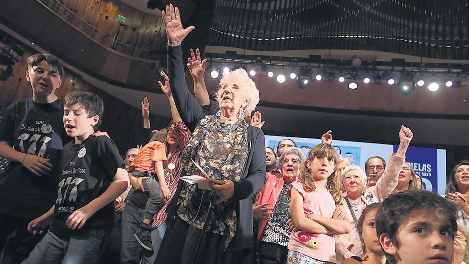 """A 40 años de su fundación, Abuelas recupera a """"la nieta 125"""""""