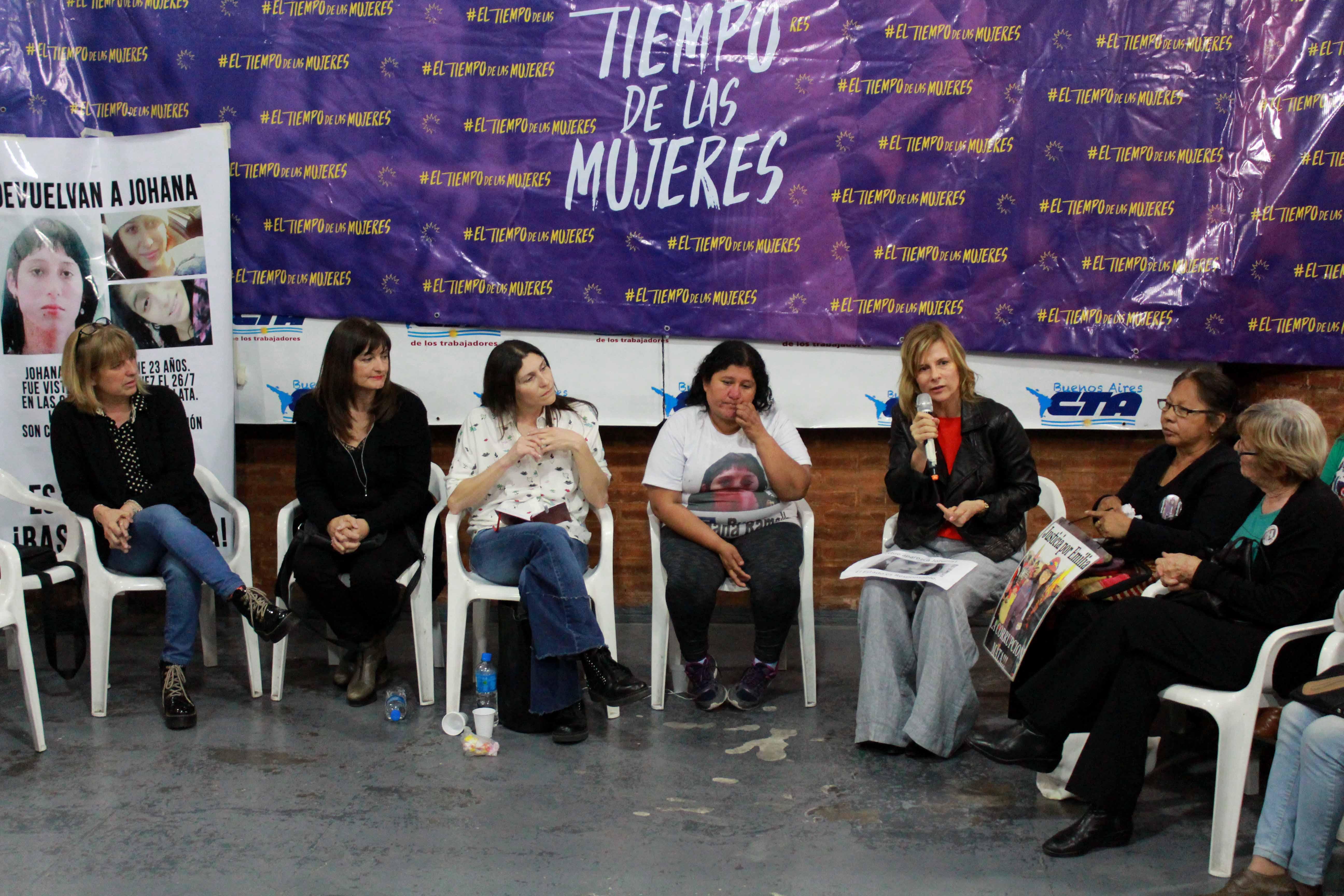 """Florencia junto a las madres de Johana Ramallo, Emilia Uscamayta y Miguel Bru: """"las mujeres no negociamos las banderas"""""""