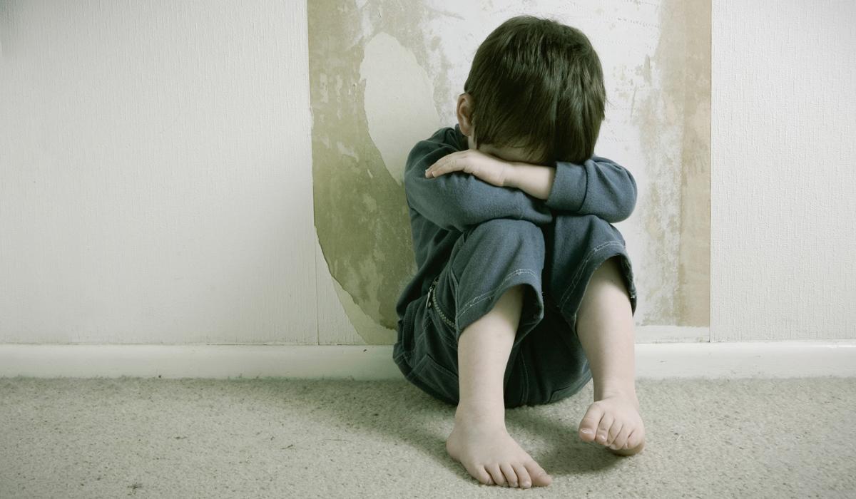 De únicos privilegiados a los más castigados: en la Provincia se registran 85 casos de maltrato infantil por día