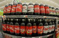 ¡Y chupe, chupe y no deje de chupar!: Macri quiere dejarnos sin sánguches pero a él parece que le sacan la Coca