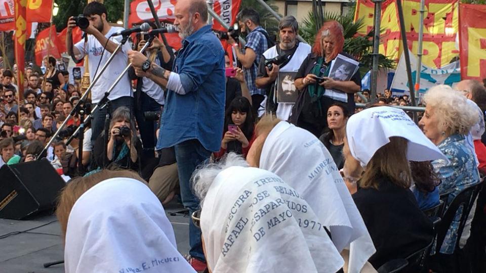 Una multitud en la cuarta marcha por Santiago Maldonado reclamó saber qué le pasó y quiénes son los responsables