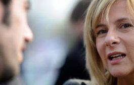 """""""Con los 30.000 apretados en el corazón, juro por la Patria"""", dijo Florencia Saintout al asumir como diputada provincial"""