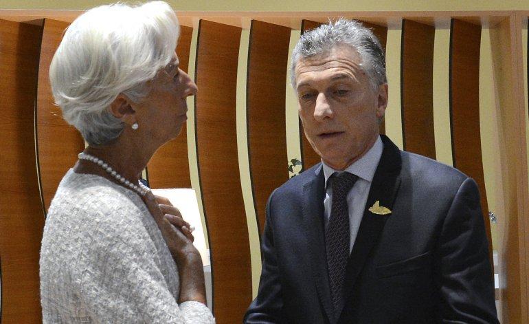El FMI pide acelerar el ritmo del ajuste fiscal y la flexibilización laboral y Cambiemos acata