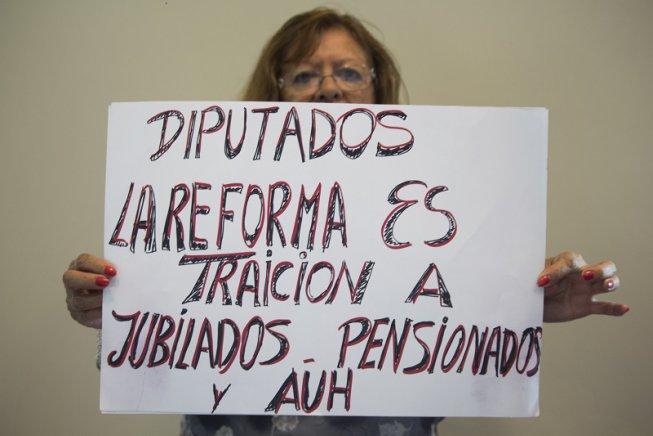 ¡Vamos los pibes y las pibas de 60 y más!: el Frente de Personas Mayores con todo contra la masacre a los jubilados