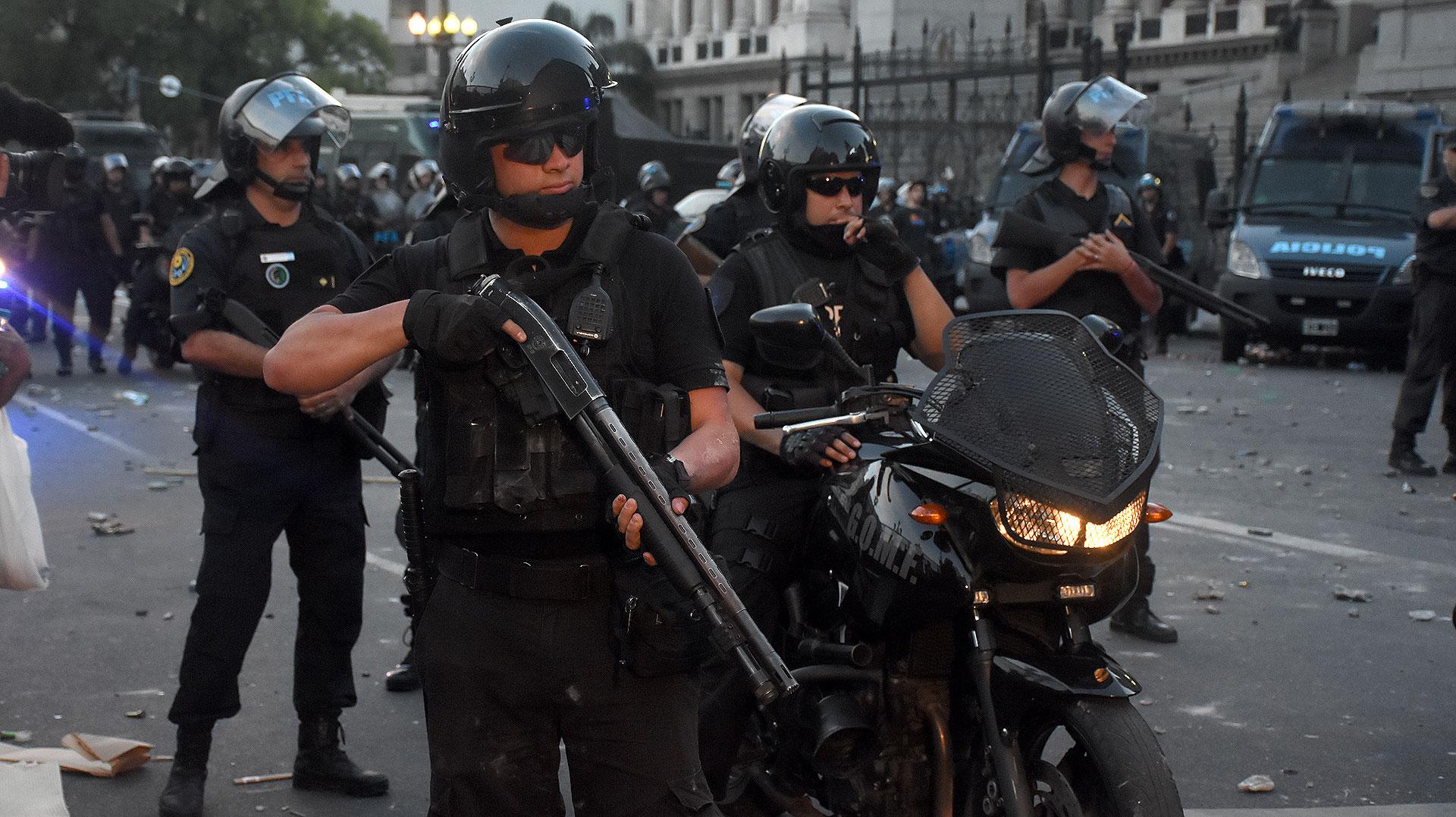 """""""725 muertos en 721 días"""" de gobierno de Macri; 259 el primer año: la espiral asesina va en aumento"""
