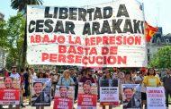Exigen la inmediata libertad de Ponce y Arakaki, presos por protestar en contra del saqueo a los jubilados