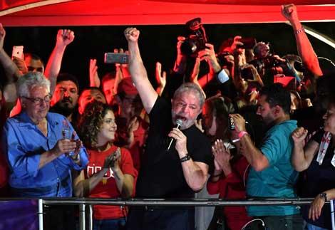 La Bolsa y el dólar con los jueces que reconocen no tener pruebas, todos contra Lula, contra la democracia