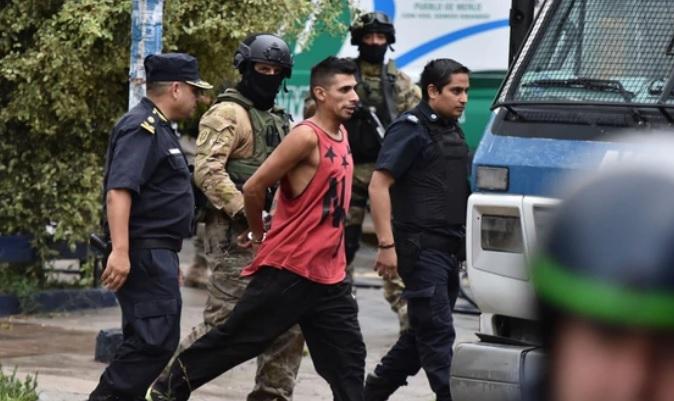 """Motín en Merlo: """"Somos delincuentes pero tenemos derechos"""""""