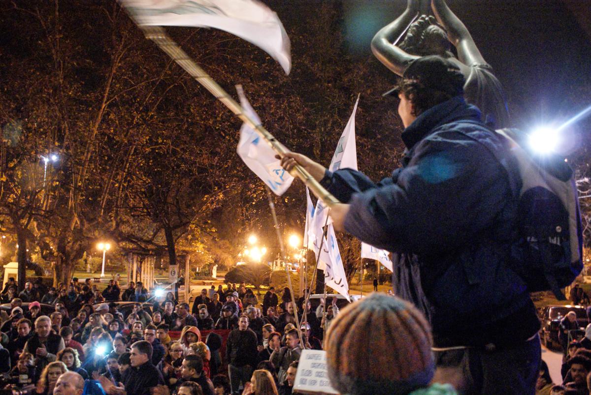 Vecinos, trabajadores, tamberos y pequeños empresarios bonaerenses ya no soportan más el desmadre social que solaza a Macri
