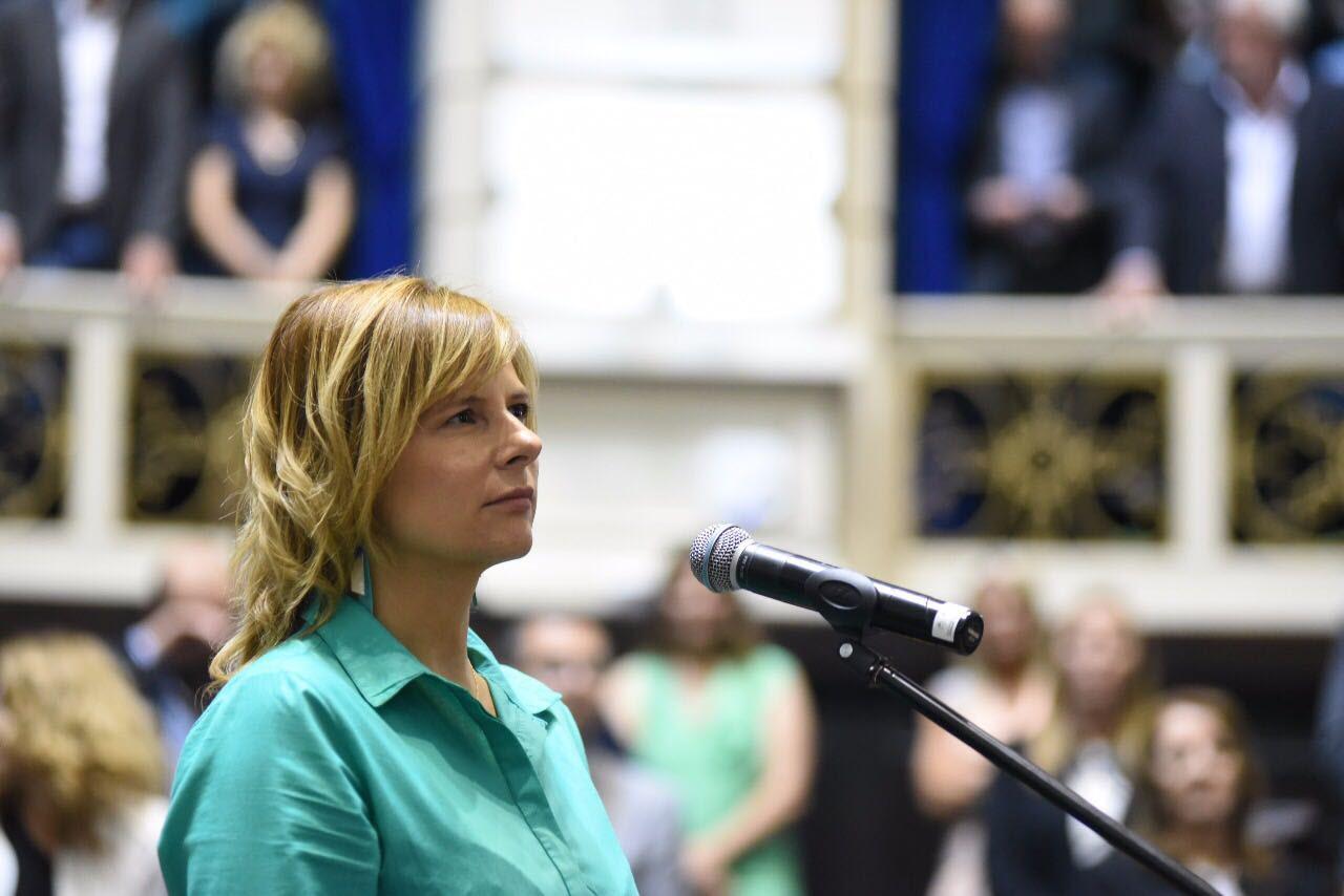 """¿Una voz opositora en la Provincia?: Florencia Saintout y su agenda para  """"visibilizar los derechos de las mayorías"""""""