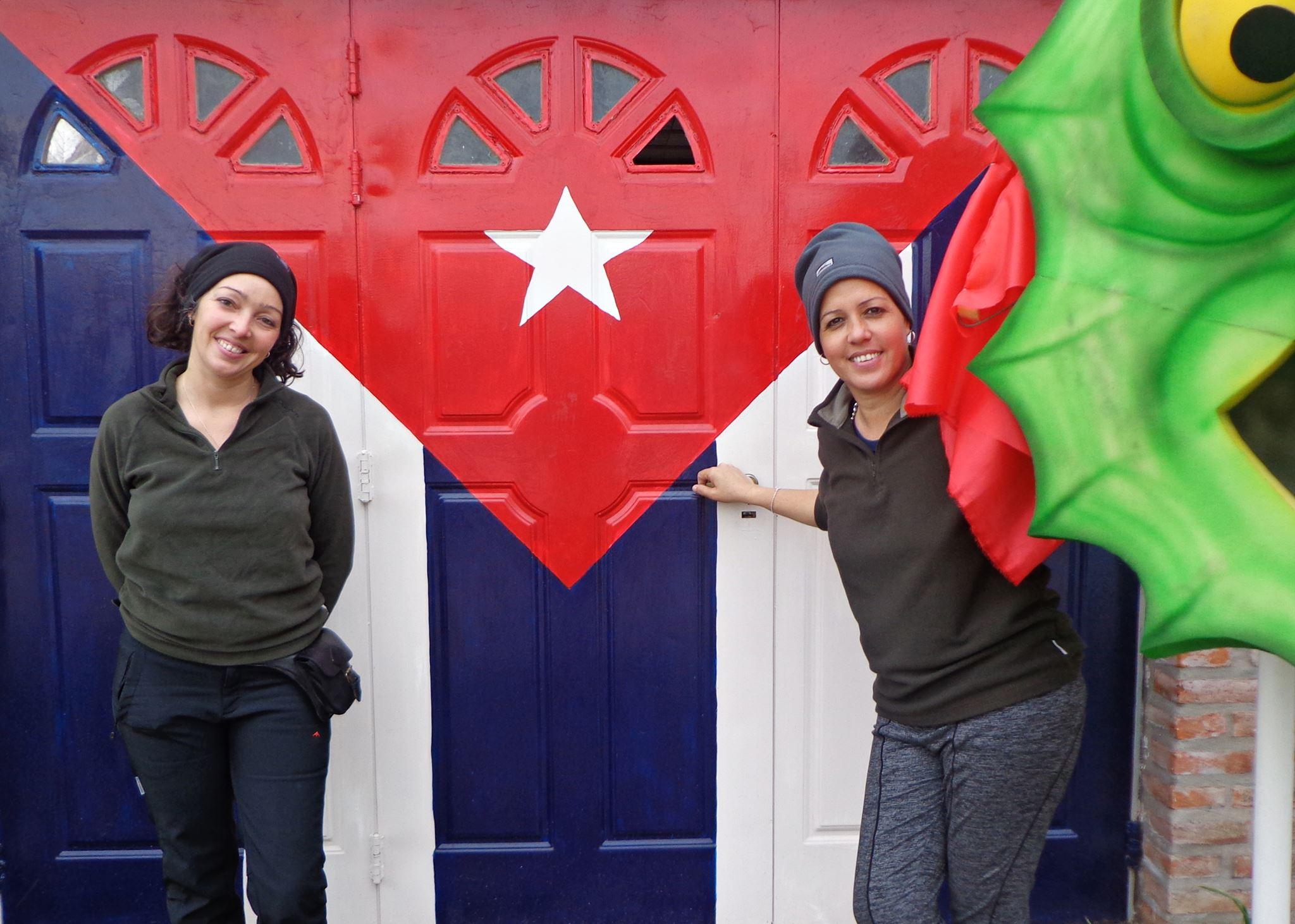 Dos cubanas que le sacan radiografía a las pampas, desde Junín y con un teatro de títeres