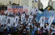 Vidal a la caza de medios que la banquen en medio de su caída en la encuestas, aumenta las partidas de la pauta oficial