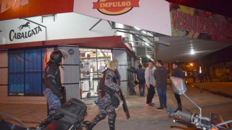 Un pibe de 13 años fue asesinado de un tiro en Chaco cuando la policía reprimía el saqueo a un supermercado