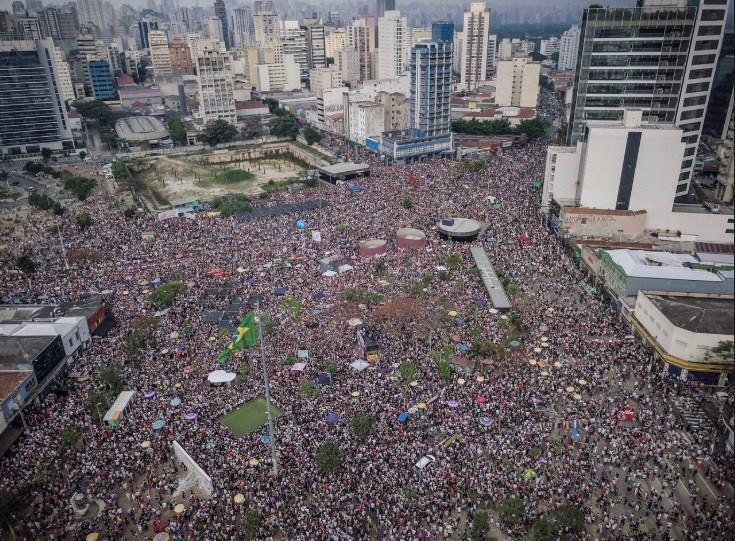 Una multitud de mujeres brasileñas ganó las calles contra el fascismo y su candidato Bolsonaro