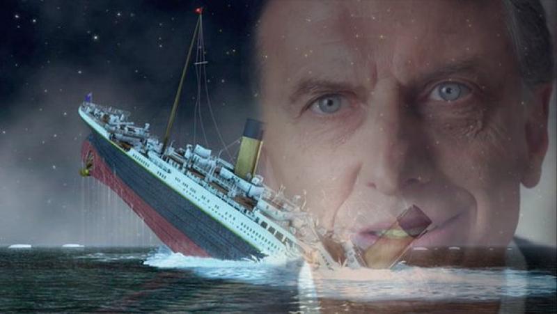 ¿Será cierto que Macri está durmiendo la siesta sobre la cubierta del Titanic?