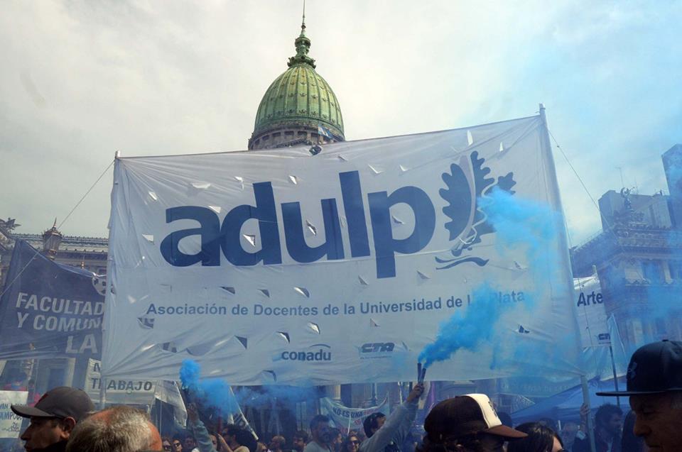 ADULP y CONADU exigen que se adelante la claúsula de revisión salarial por efectos de la inflación