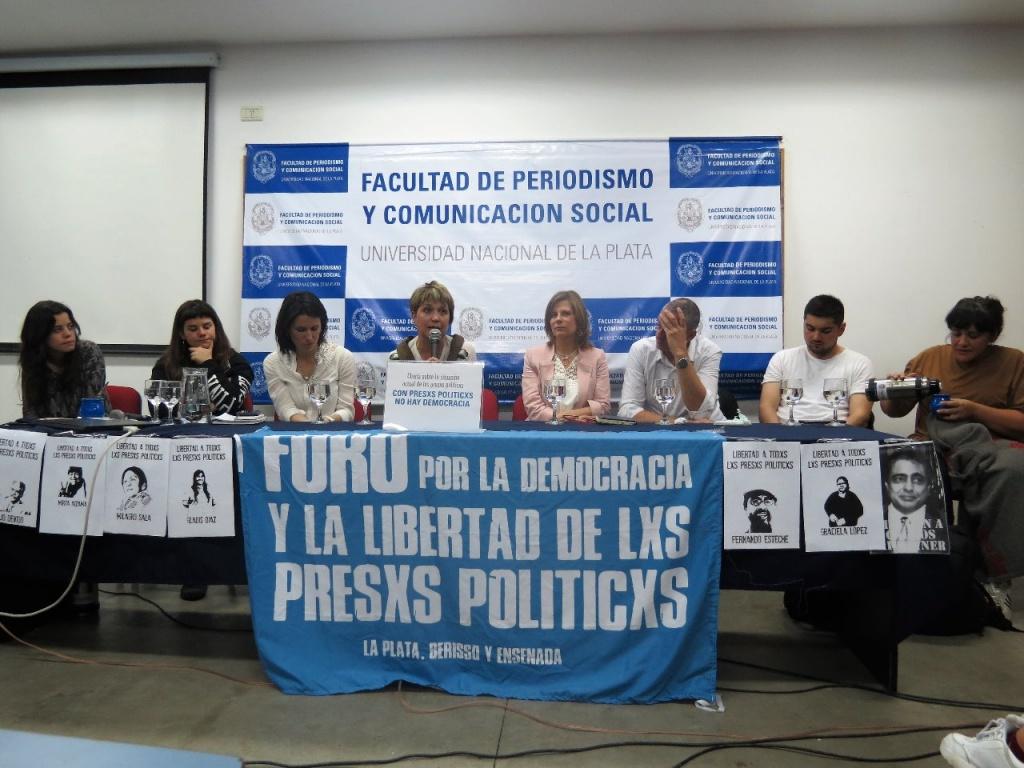 """En Periodismo de la UNLP se debatió sobre """"la situación de los presos y las presas políticas"""