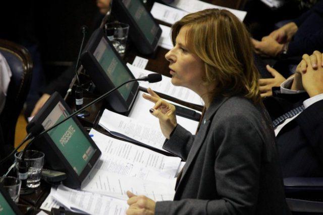 """Para Saintout """"no alcanza"""" la marcha atrás del Gobierno en el cobro extra de tarifas de gas"""