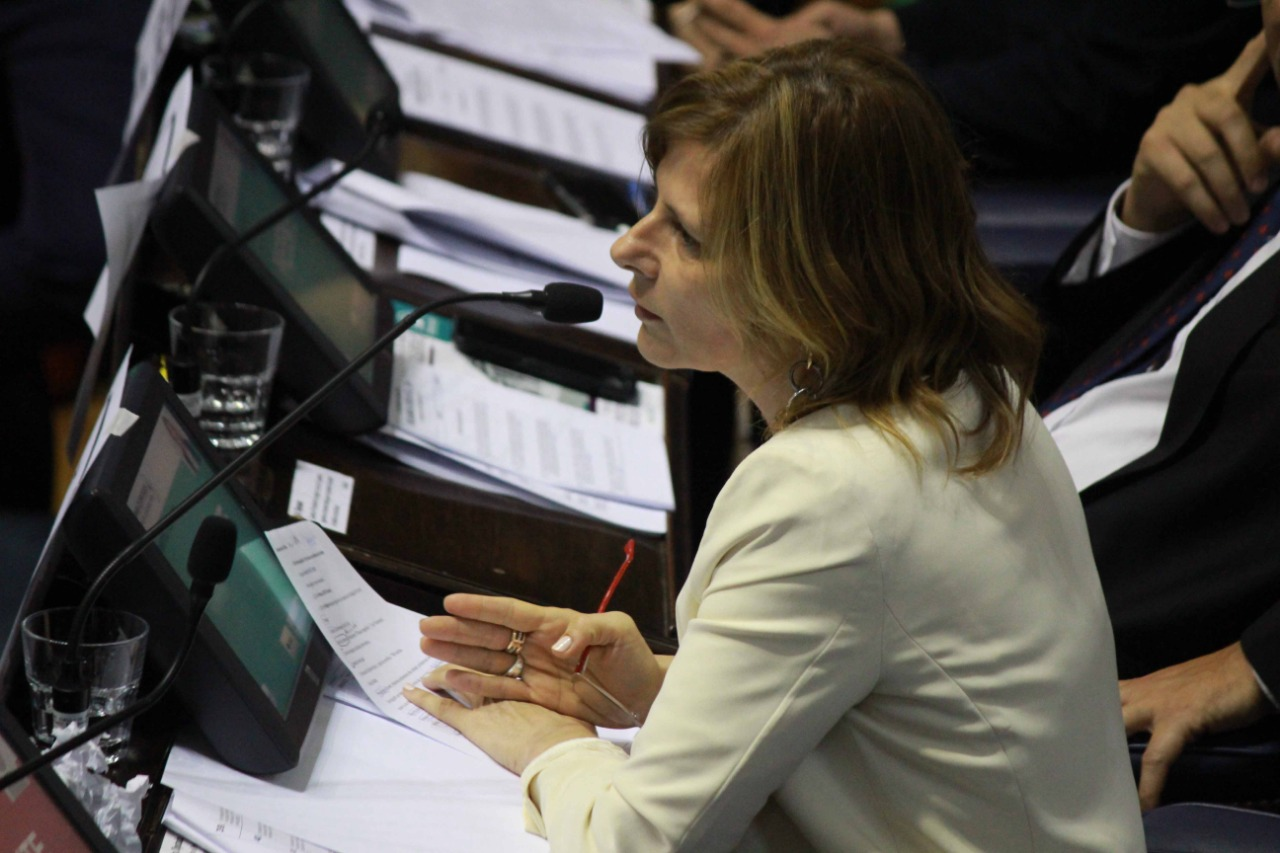 """En La Plata """"hay necesidad de pensar urgente otro camino"""", dijo Florencia Saintout"""