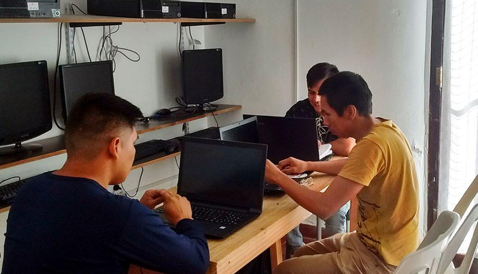 Jóvenes wichí de Formosa: La universidad los rechaza, ellos se apoyan para estudiar