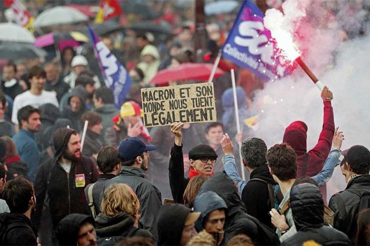 La CGT no se hace la distraída y llama al paro general en medio de las movilizaciones populares…en Francia