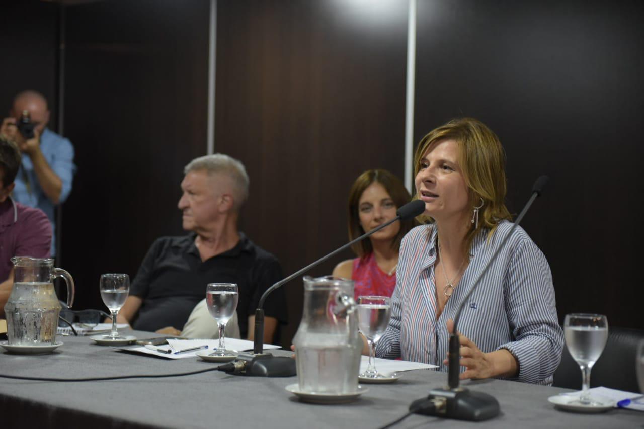 "Florencia Saintout: ""Tenemos que seguir luchando para torcer este rumbo"""