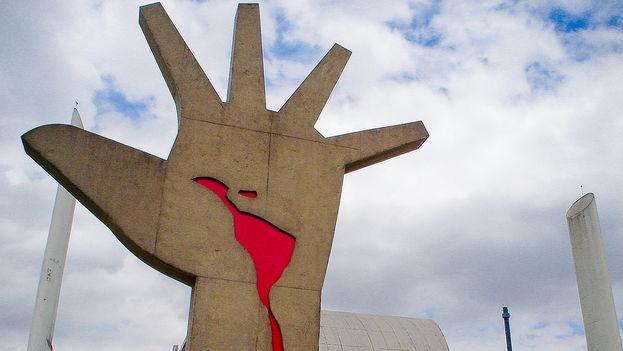 Estado y Democracia en América Latina: El retorno de las elites. Neoliberalismo o Democracia