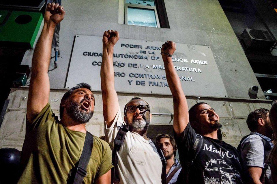 """Periodismo de la UNLP repudió la agresión sufrida por los manifestantes y los periodistas en el """"Cuadernazo"""""""