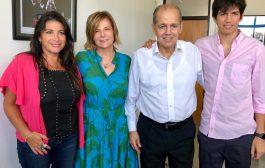 Saintout entregó a Sabella el proyecto de ley que lo reconocerá como figura destaca del deporte de la provincia de Buenos Aires
