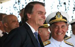 La genuflexión de Bolsonaro ante Trump disgustó a militares brasileños