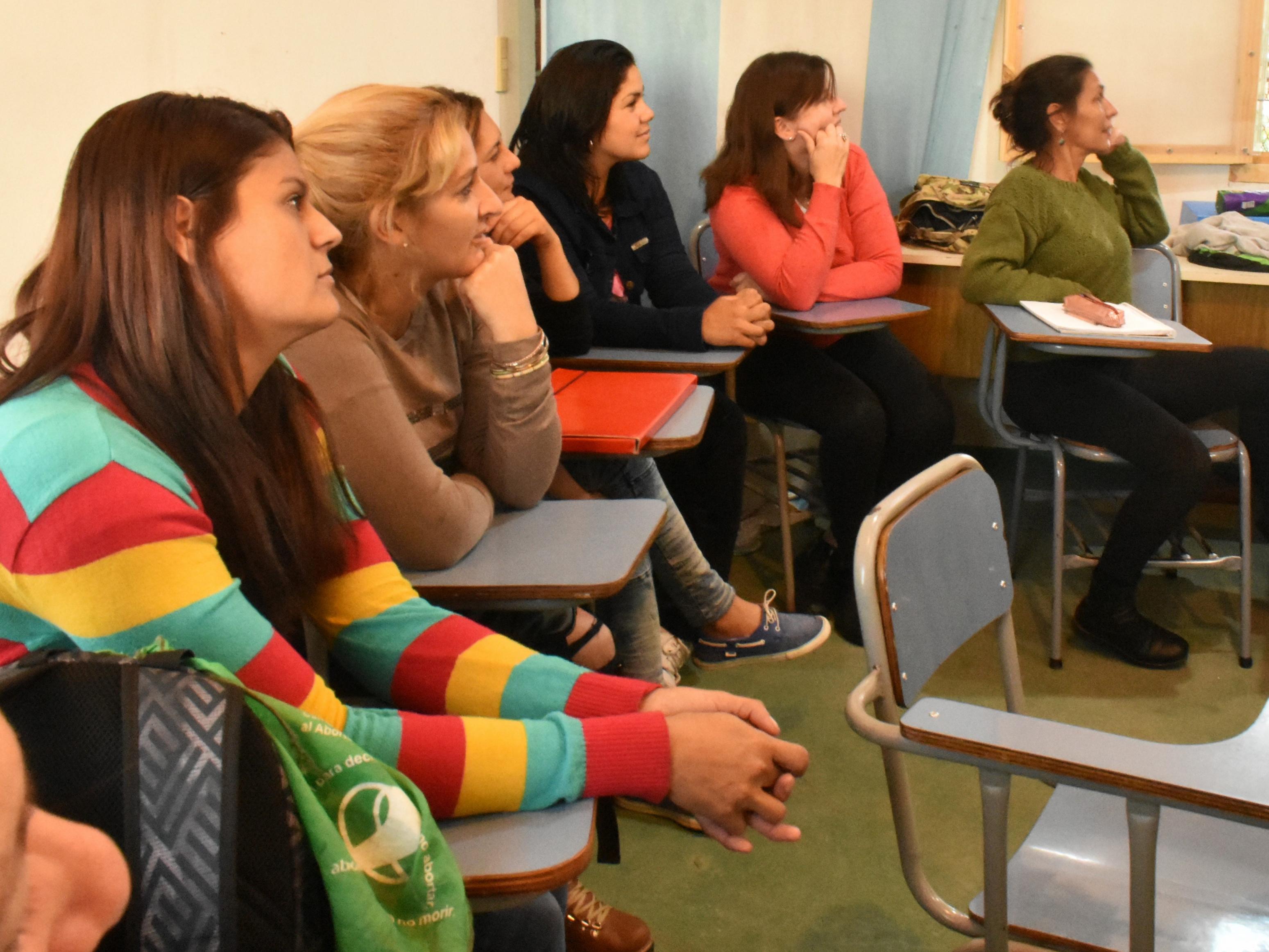 Periodismo de la UNLP comenzó sus clases de Comunicación Popular en la sede barrial de El Retiro
