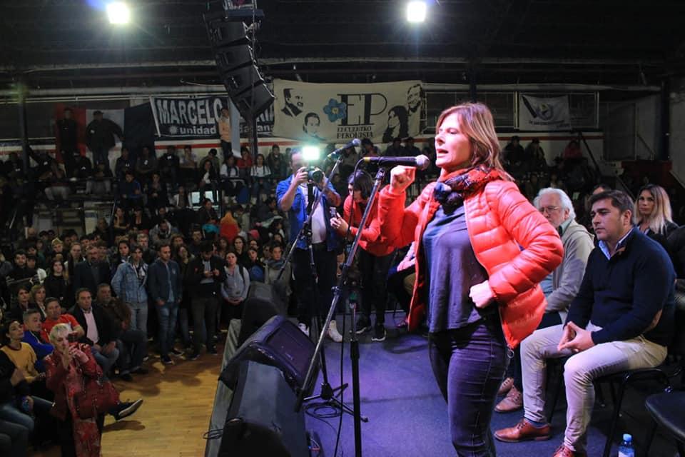 En las barriadas humildes es evidente el apoyo a la candidatura de Saintout como intendenta de La Plata
