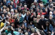 Sin sarasas y más calle y voces desde abajo que TV, la potente campaña de Saintout  hacia la intendencia