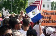 Un turro con jopo: Trump quiere joder a los guatemaltecos prohibiendo que los inmigrantes manden dinero a sus familias