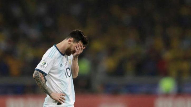 Copa América: un llorón barcelonés que pide VAR pero cuando lo tuvo, pateó el tiro libre como masita de crema