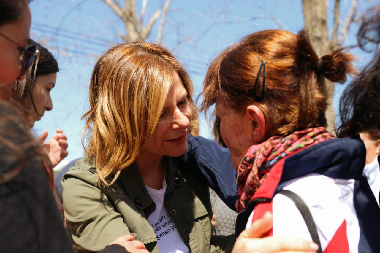 Si en el exterior y en el país el interlocutor casi único es AF, en La Plata sucede lo mismo con Florencia Saintout