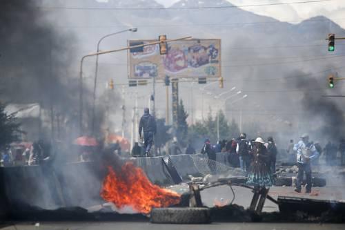 Bolivia: El alineamiento militar y ciertos disensos en el MAS alientan la represión fascista