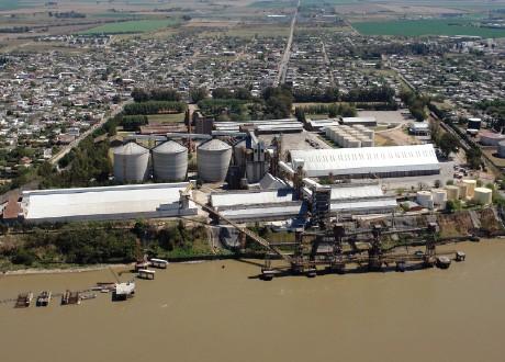 Viejos chorros: Vicentin nunca pagó el crédito con el que construyó un puerto en 1987