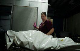 Según The New York Times: números oficiales subestiman las muertes por coronavirus en EE.UU.