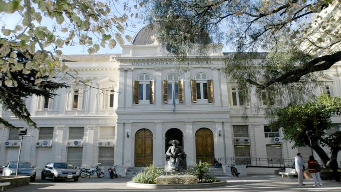 La UNLP ratifica la vigencia del calendario académico