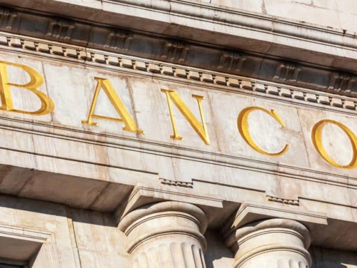 ¿Qué hacer con los bancos? Algunos ejemplos históricos